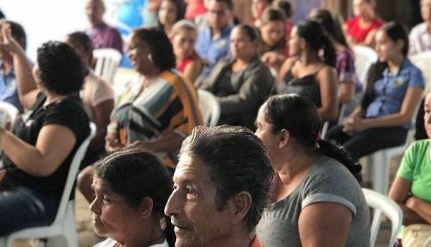 Governo inaugura conjuntos habitacionais para famílias de Alpercata e Sardoá