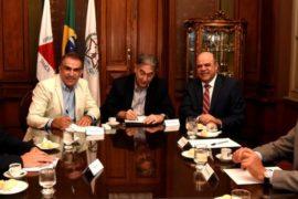 Governador Fernando Pimentel assina despacho para regularização fundiária da Vila Ideal, em Ibirité