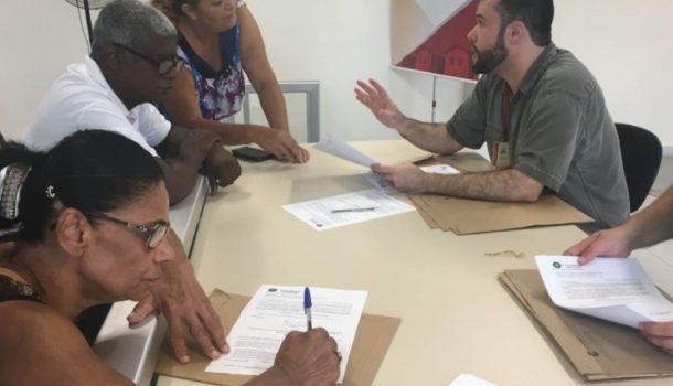 Cohab Minas regulariza moradias com entrega de escrituras definitivas